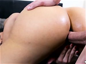 scorching milf Mercedes Carrera gets a anal invasion invasion