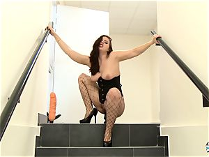 LA COCHONNE - MMF three-way with bootylicious French stunner