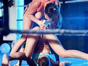 heavy vulva gobbling in boxing ring