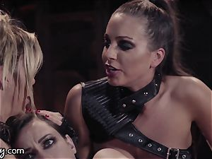 Girlsway Wastelands: gusto Bot Alexis Fawx has three-way