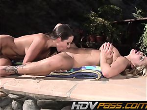 HDVPass Amy and Shyla slurp each others twats