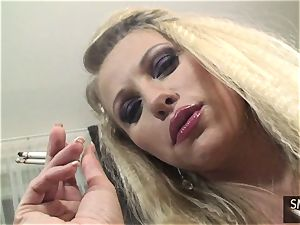 Gabriella Tchekan smokes