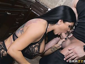 Romi Rain and Aubrey ebony penetrate after Romi blows Xander