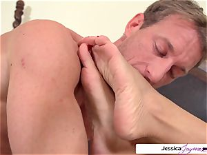 Jessica Jaymes is prepped and insatiable to get pounded by Ryan