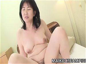 Sumie Nagai - JAV Mature riding A young boy