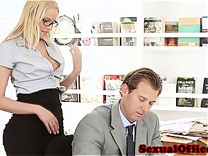 beauty secretary takes her chief' spunk-pump for a ride