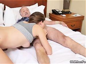 older dude romps introducing Dukke