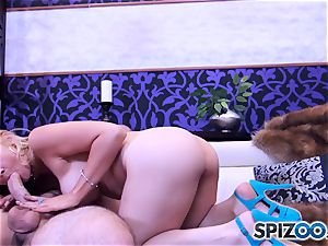 Sarah Vandella blowing and boinking a big spear