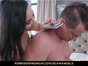 SCAM ANGELS - Melissa Moore and steamy friends in fourway