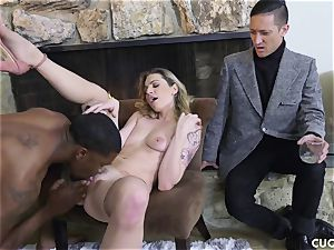 dark-hued dude penetrates his chief slutty wifey Dahlia Sky
