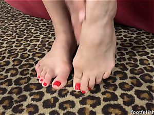 Mia Austin Gets a sole worshipping and twat boinking