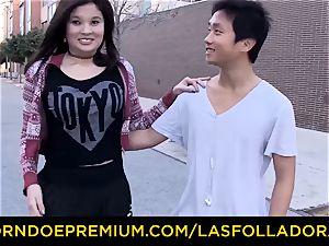 LAS FOLLADORAS - immense baps Oriental stunner has foursome