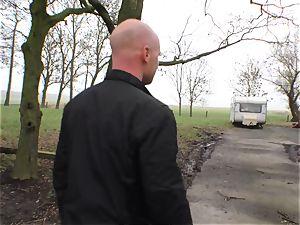 Deutschland Report - bootylicious German novice pulverizes outdoors