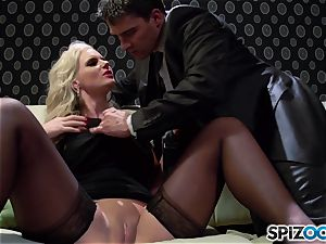 Spizoo - Phoenix Marie get a super-cute screw by Tony Ribas