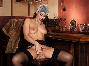 Lana Rhoades vulva frigging herself